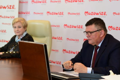 Na zdjęciu znajduje się Aleksander Kornatowski w raz z Elżbietą Lanc